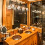 Luxury 2 Bedroom Condo with Hot Tub,  Whistler