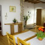 Hotellikuvia: Ferienwohnung zum Kapuziner, Poysdorf
