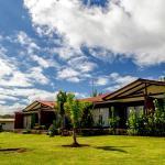 Hotel Pictures: Cabañas Tautira, Hanga Roa