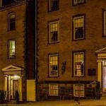 Hotel Pictures: Chipman Hill Suites - Senator Dever House, Saint John