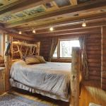 Hotel Pictures: Folk Tree Lodge, Bragg Creek