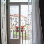 Sunny Studio, Balcony & Cathedral View, Porto