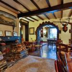 Sea Trout Inn,  Staverton