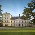Hotel Pictures: Chateau Mcely, Mcely