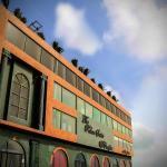The Palace Suites and Cineplex, Karachi