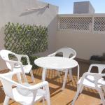 Hotel Pictures: Ático con terraza en la Jota, Zaragoza