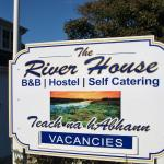 Hotel Pictures: The River House, Dunglow