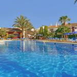 Hotel Pictures: Infiniti Beach Resort, Vera