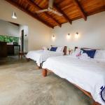 Hotel Pictures: Casitas Tenorio B&B and Farm, Bijagua