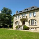 Hotel Pictures: La chambre au Château, Pernant