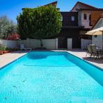 Killion Apartment 17830,  Encino
