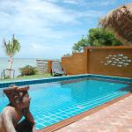 Villa Goldenmoon Beachfront Piscine, Baan Tai