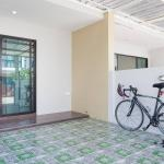 Modern Townhome with Greenhill view, Phuket Town