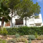 Hotel Pictures: Holiday home Casa Del Puente, Villacosta