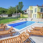 Villa Ana Spinovci, Rakotule