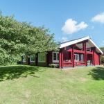 Holiday home Red Cedar,  Huisduinen