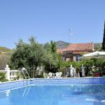 Hotel Pictures: Holiday home Casa Del Tilo 8 Pers, Huétor Santillán