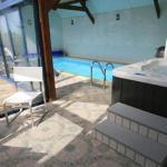 Hotel Pictures: Villa Mandhura, Kerhermain