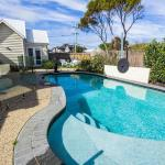 酒店图片: Seaside Spa Retreat, Aspendale