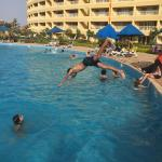 Hotel Pictures: Chalet Oussama 2, Ain Sokhna