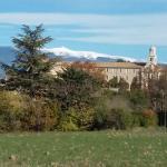 Hotel Pictures: Les Portes Du Ventoux, Saint-Didier