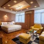 Hotelbilder: Panorama Top Floor Rooms in Hotel Tundzha, Yambol