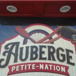 Hotel Pictures: Auberge Petite Nation, Saint-André-Avellin