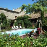Hotel Pictures: Le Mas De L Antiquaire, Saint-Césaire-de-Gauzignan