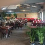 Hotel Pictures: La Brasserie du Marché, Bassens