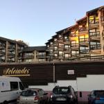 Hotel Pictures: Studio calme montagne Font Romeu, Enveitg