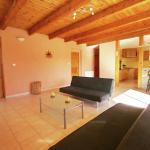 Hotel Pictures: Maison De Vacances - Villeneuve-De-Berg, Saint-Maurice-d'Ibie