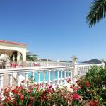 Hotel Pictures: Three-Bedroom Holiday home Corumbela with Sea View 06, Corumbela