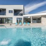Villa Nada 3, Kringa