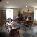 Hotel Pictures: Deri-Down Guest House, Abergavenny