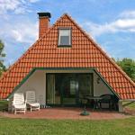 Hotel Pictures: Three-Bedroom Villa Cuxland Ferienpark 5, Dorumer Neufeld