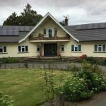 Hotel Pictures: Linchens Gatwick B&B, Crawley