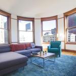 Three-Bedroom on W Van Buren Street Apt 1201, Chicago