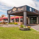 Hotel Pictures: Complexe Royal Labarre, Longueuil