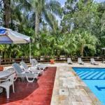 Hotel Pictures: Flat Riviera, Bertioga