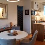 Hotel Pictures: Charming Flat in the Heart of the Lilas, Asnières