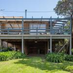 Hotel Pictures: Canterbury Jetty Road - with wrap around deck, Blairgowrie