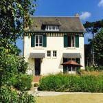 Hotel Pictures: Maison de charme Deauville Normandie, Bénerville-sur-Mer
