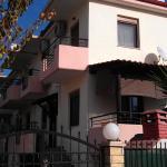 Lina House,  Nikiti