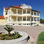 LCT Villa Vita, Hrvace