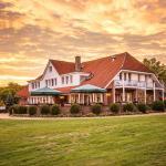 Hotel Pictures: Zur Gutsstube - Golf- & Jagdakademie Schloss Wilkendorf, Wilkendorf