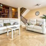 Hotel Pictures: Apartment on Golondrina 26, Palm-mar