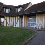 Hotel Pictures: Orient Village, Géraudot