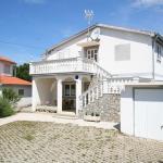 Two-Bedroom Apartment in Silo VI, Šilo