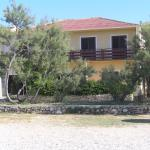 Apartment in Pag with Three-Bedrooms 2, Pag