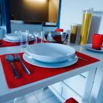 Hotel Pictures: Niort Studio- Apartment, Niort